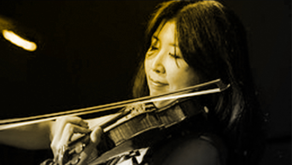 Helen Kim playing violin